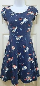 Form futting floral dress